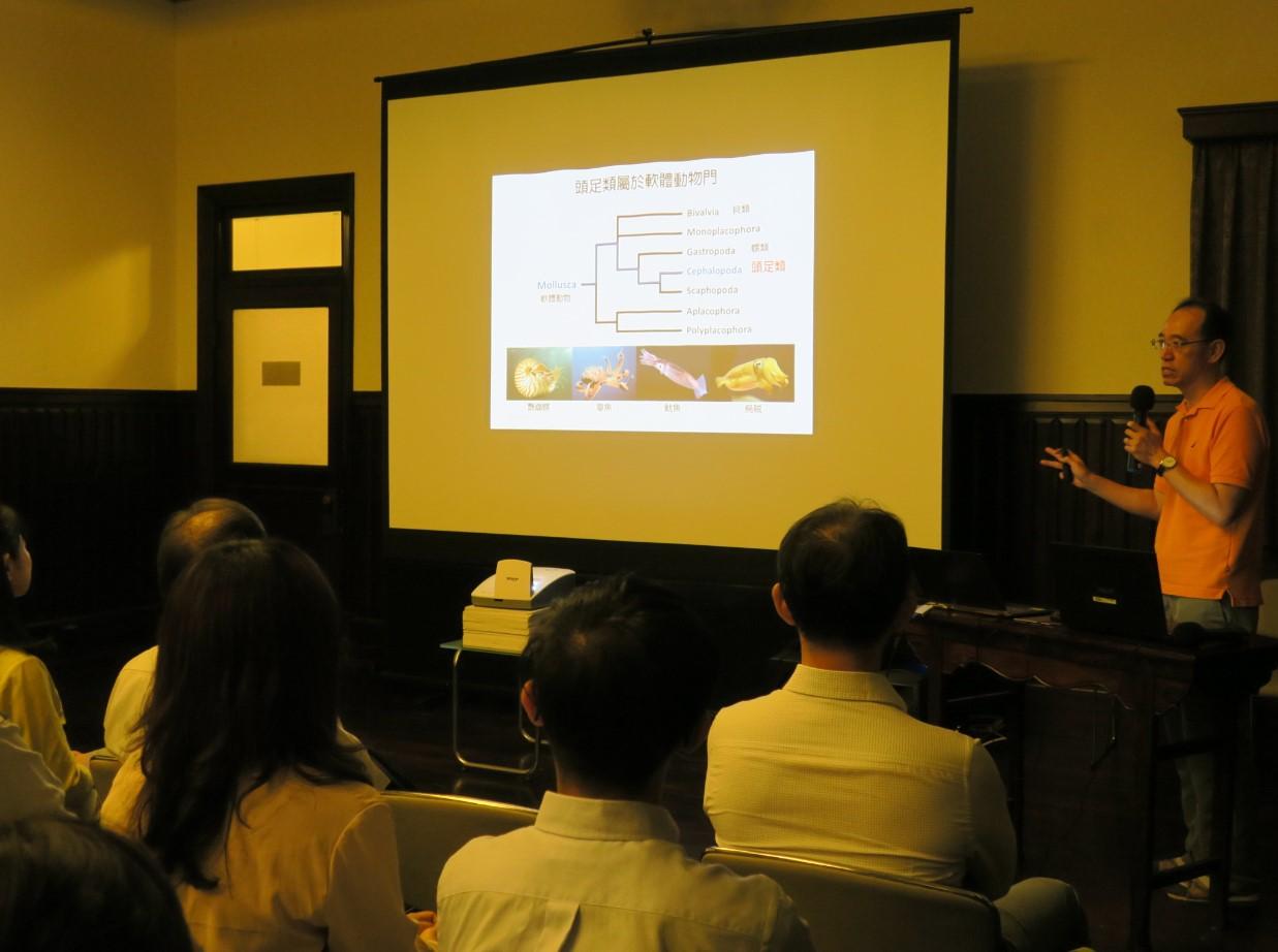 中興大學昆蟲學系李後鋒副教授介紹白蟻的共識主動性